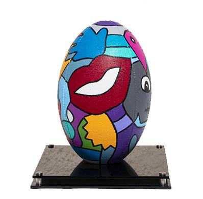 ballon de rugby revisité par artiste peintre dans le 66 pour l'usap, les dragons catalans, rugby à 15, rugby à 13 catalans
