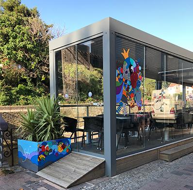 décoration d'un restaurant à Collioure dans le 66 par Sofi, artiste peintre français