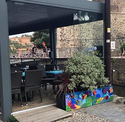 décoration d'un restaurant à Collioure par Sofi, artiste peintre dans le 66