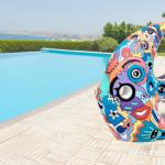 Décoration d'extérieur : poisson coloré, objet déco pour votre jardin ou objet déco pour la piscine. Cette réalisation artistique colorée est en modèle unique pour une deco design de votre jardin.